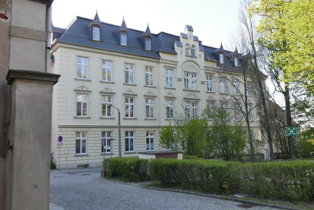 Das 1898 für die Missionsknabenanstalt errichtete Gebäude dient heute der Herrnhuter Diakonie als Altenpflegeheim. 2019 (R. Malink).